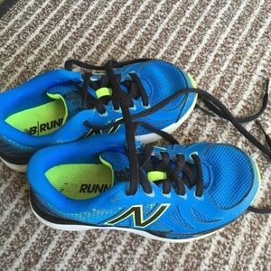 Boys size 1 New balance runners